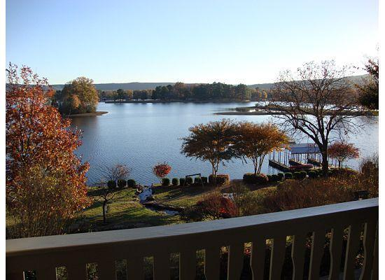 Lookout Point Lakeside Inn : View from Romance Room