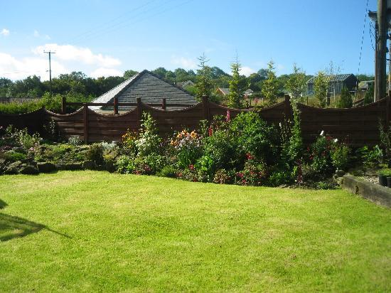 Tynewydd Bed & Breakfast : Garden picture