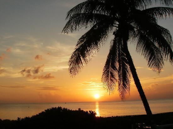 Cocoplum Condos : sunset from patio