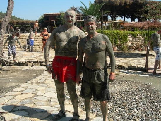 Sarigerme, Turquia: Jake and Dougie get dirty 2009