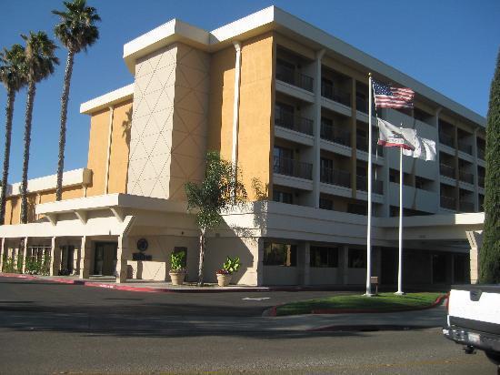 Hilton Stockton: Exterior