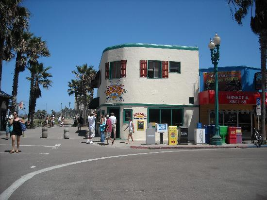Kono's Cafe: Konos in Pacific Beach