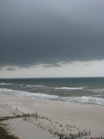 The Lighthouse Condominiums: Stormy day at the beach.