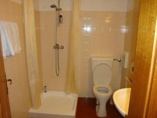 Hotel Pension Unterbräu: bathroom