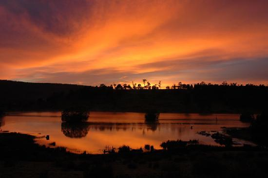 Currawong Lakes: Spectacular sunrises and sets