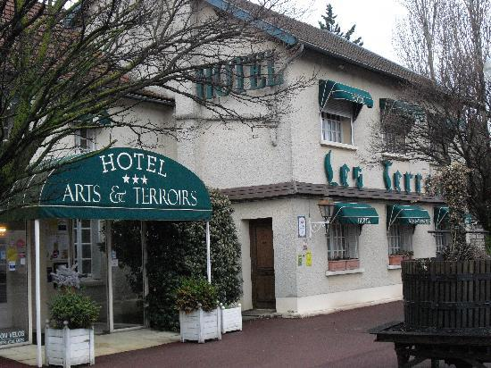 Hotel Arts & Terroirs : Front of Hotel