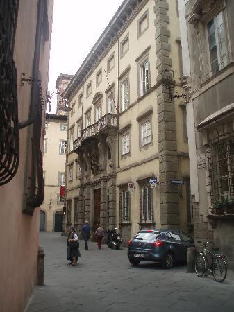 Palazzo Tucci : outside