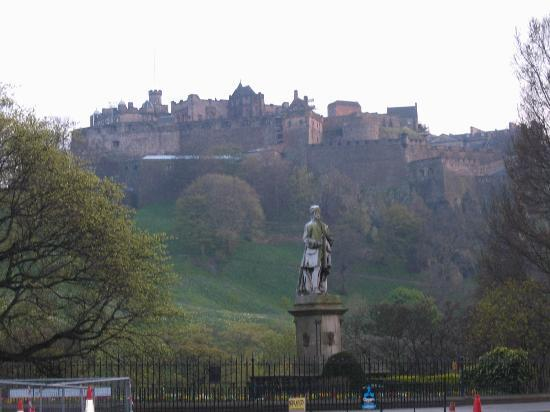 Gerald's Place: Edinburgh castle