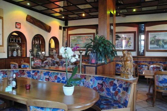 Asia: Clean restaurant
