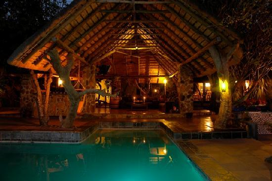 Ezulwini Game Lodges: River Lodge entertainment area
