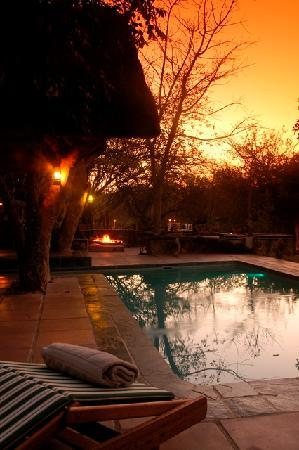 Ezulwini Game Lodges: River Lodge pool area