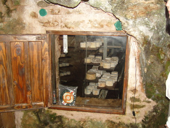Ruta'l Quesu y la Sidra: The cheese caves