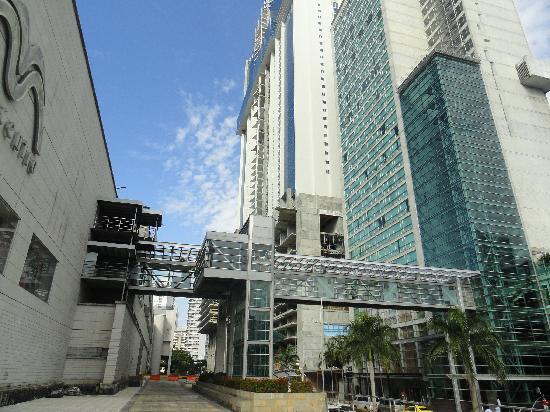 Radisson Decapolis Hotel Panama City: frente del hotel
