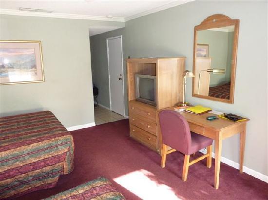 Lamp Liter Inn: la chambre.
