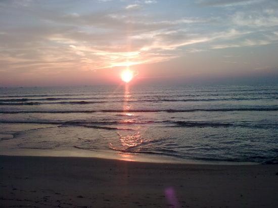 Mangalore, Índia: SURATHKAL BEACH
