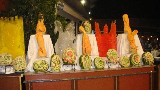 Delphin Palace Hotel: carved veg