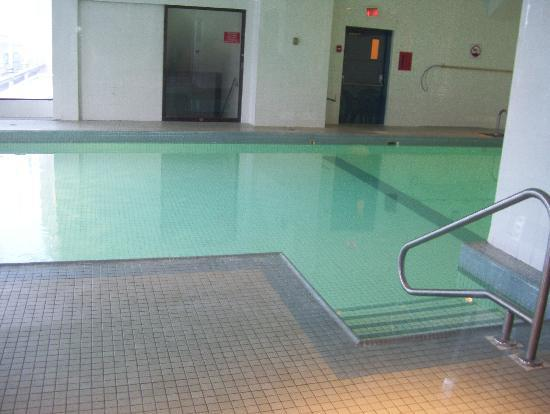 Hotels Gouverneur Montreal: pool