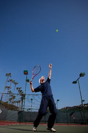 La Jolla Beach and Tennis Club: The Club offers 12 championship tennis courts, plus lessons, clinics and a Tennis Shop.