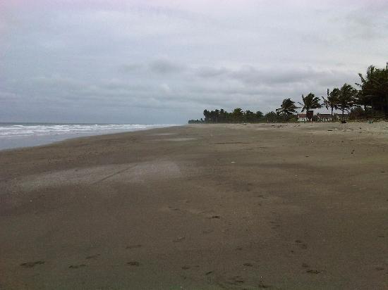 Cojimies, Ecuador: Wide open empty beaches