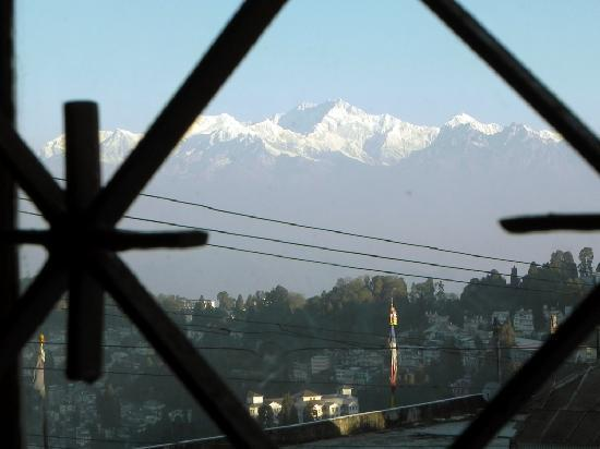 Broadway Hotel: Kanchenjanga view from poom