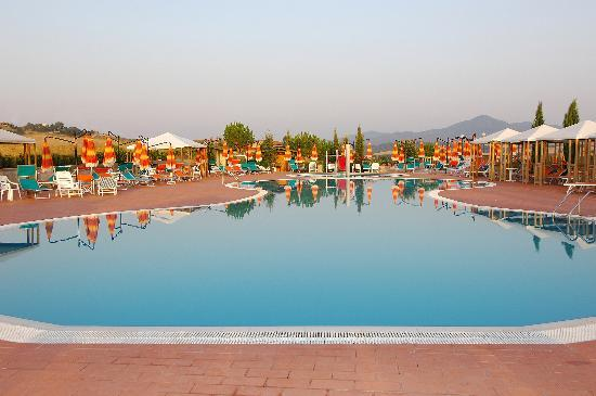 Casino di Terra, Italy: The swimming pool