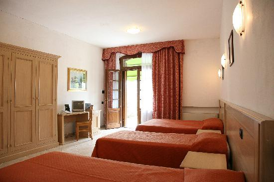 Fattoria Hotel Belvedere: a three bed-room