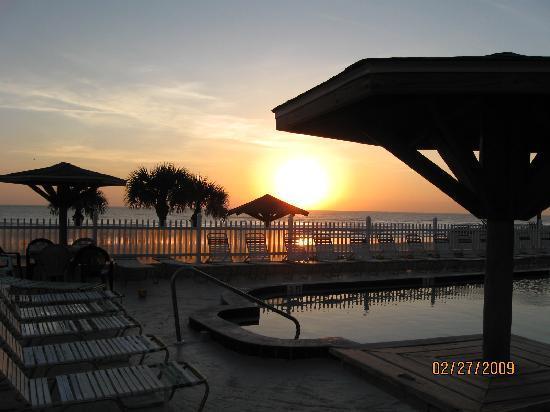 Ocean Court Motel: more sunrise
