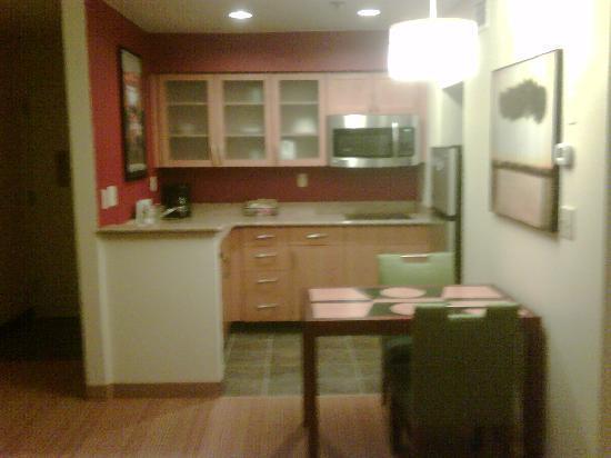 Residence Inn Annapolis : Complete Kitchens