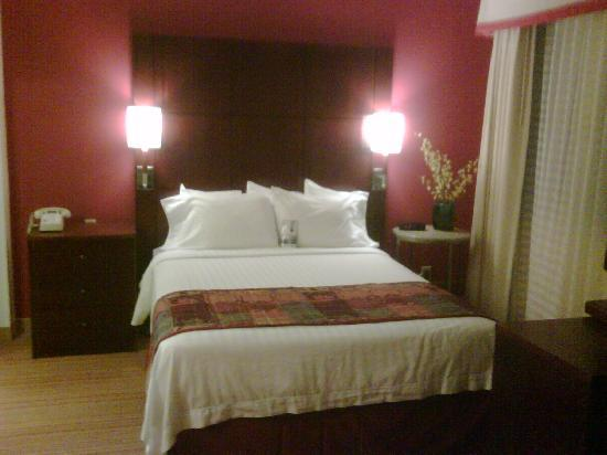 Residence Inn Annapolis: Brand new beds!