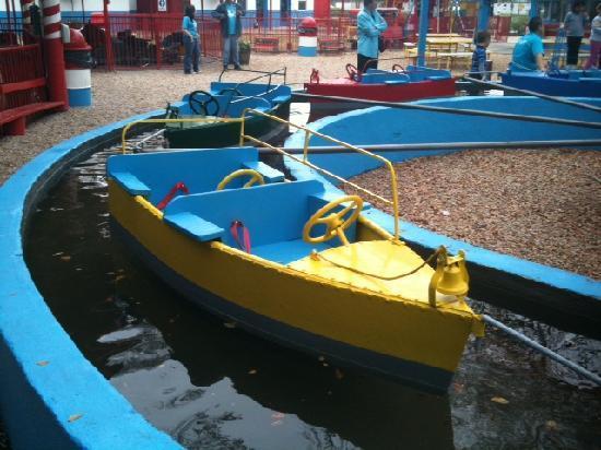 Kiddie Park: Boats