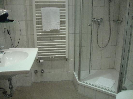 Hotel Stachus: bathroom