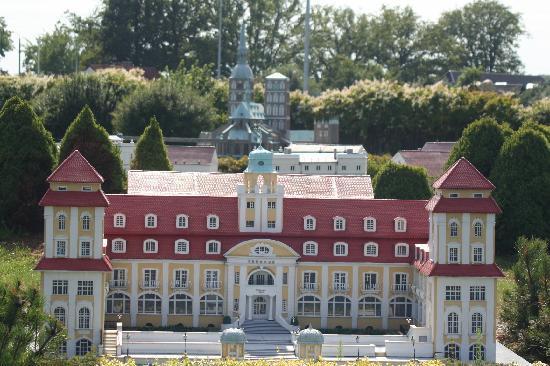 Ostseebad Binz, Deutschland: Kurhaus als Miniatur