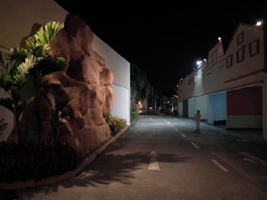 โรงแรมเดอะ แอดเวนเจอร์: The Adventure Hotel