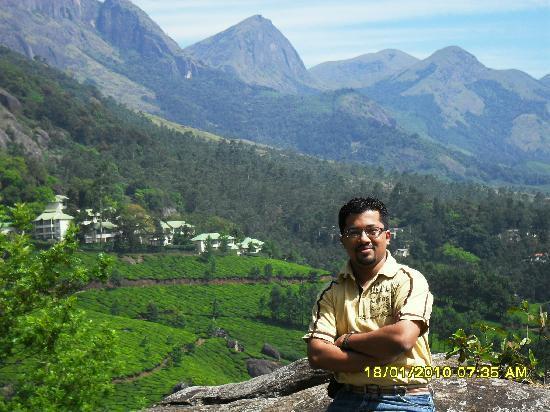 Club Mahindra Munnar : Club Mahindra in the background