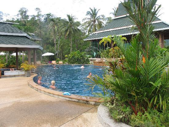 Chai Chet Resort: Pool area