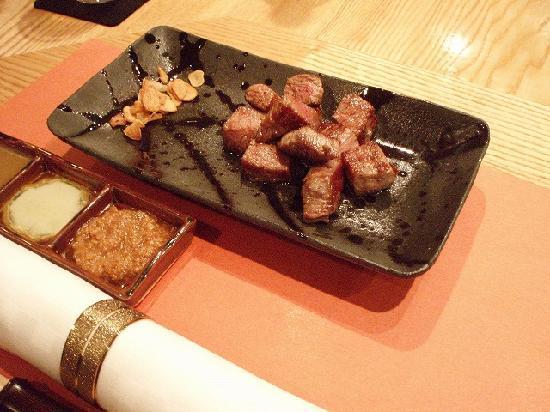 Belmont Hotel: ホテルのレストランで食べたステーキは絶品