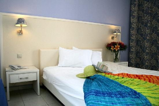 Dolphin Bay Family Beach Resort: SUPERIOR ROOM