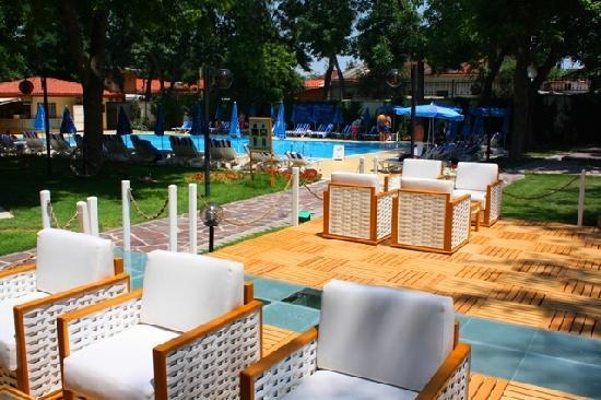 Radisson Blu Hotel, Tashkent: Poolside Aqua Bar