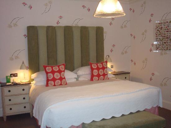 Haymarket Hotel: the huge ultra comfy bed