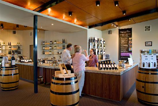 Balgownie Estate Vineyard Resort & Spa: Cellar Door