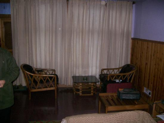 Silmog Garden: Room View (Heater on Table)