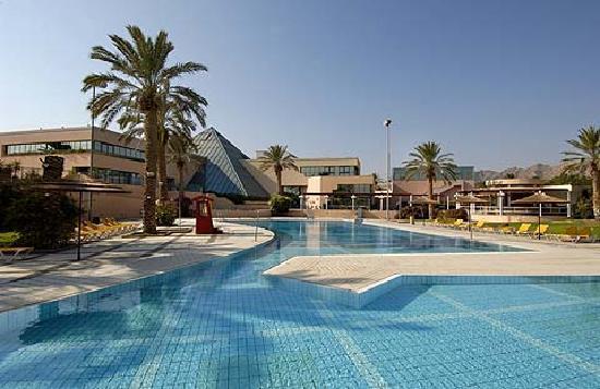 U Sunrise Club Eilat All Inclusive: Outdoor pool