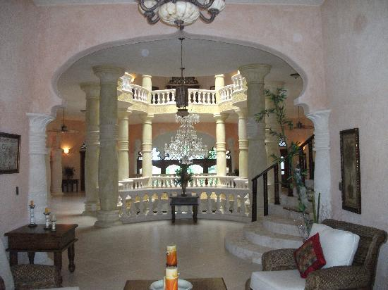 The Palace at Playa Grande: palace interior