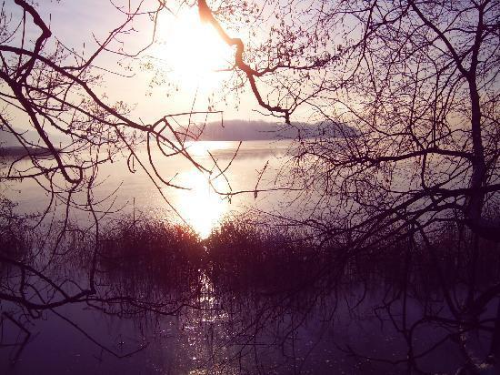Mragowo, Pologne : Schoßsee vom Hotelgarten au gesehen