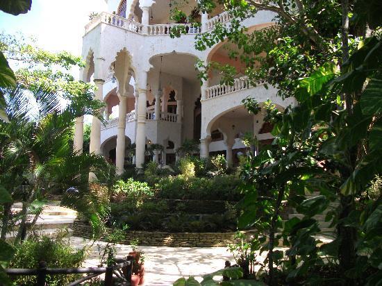 The Palace at Playa Grande: palace exterior