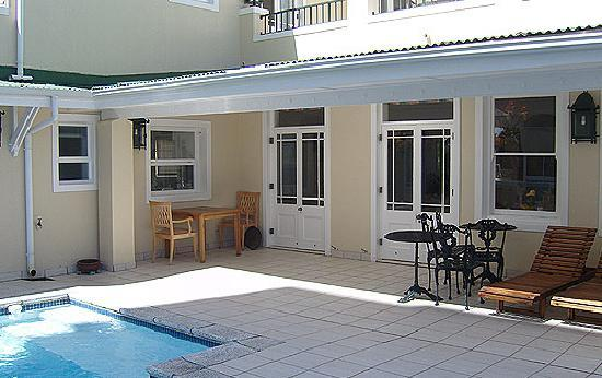 Craigrownie Guest House: Pool Area