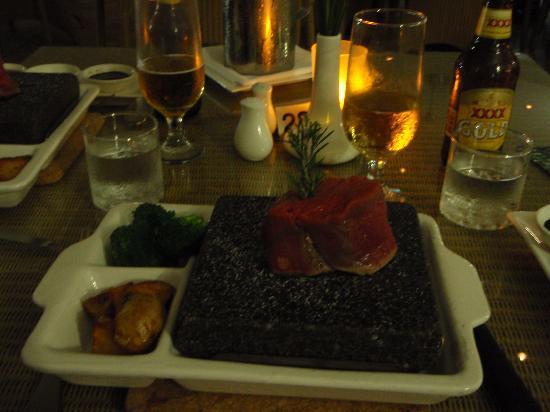 The Hotel Cairns: レストランの看板メニュー