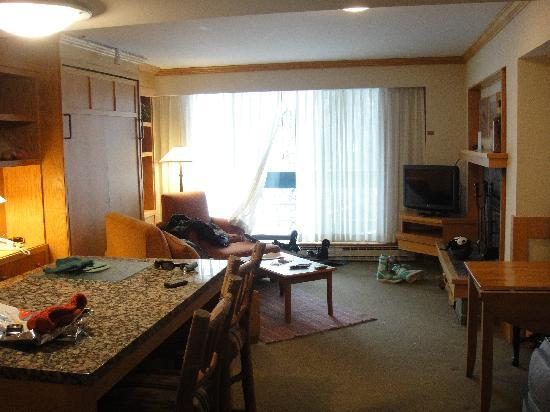 The Inn at Snowbird: cozy room!