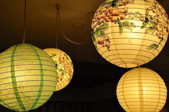 Senshinkan Matsuya: 朝食を食べた部屋のライトがかわいかったです