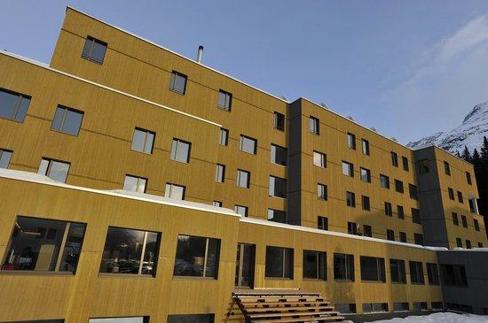 St. Moritz Youth Hostel: Aussenansicht
